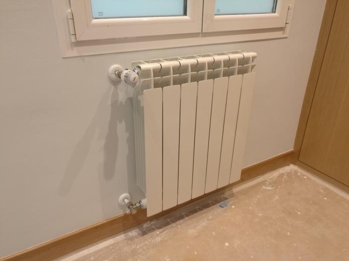 8af0e2da 2e6a 4606 ab02 61557805ab45 - Berogailu berriak jartzen/ Instalación nueva de calefacción.