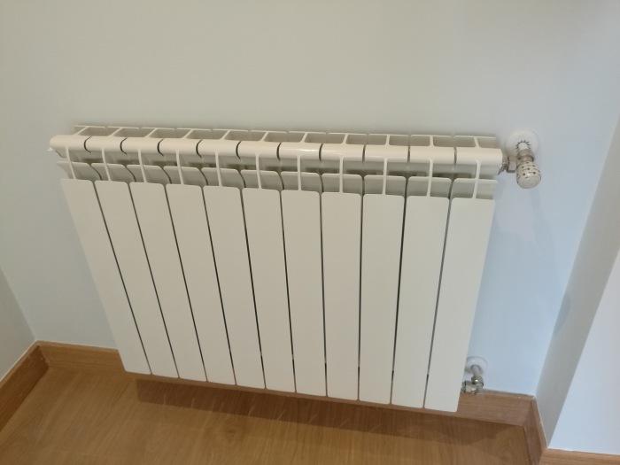 d70a24aa 8ee7 4ae1 b8d9 e5cea6109850 - Berogailu berriak jartzen/ Instalación nueva de calefacción.