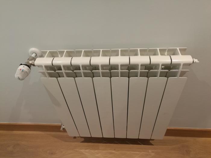 e311c645 196f 43da 97cc 8fe710423cc7 - Berogailu berriak jartzen/ Instalación nueva de calefacción.